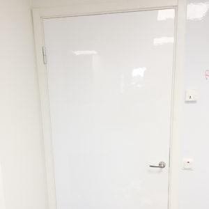 Wallrite Blank 120 Magnetisk Självhäftande på dörr